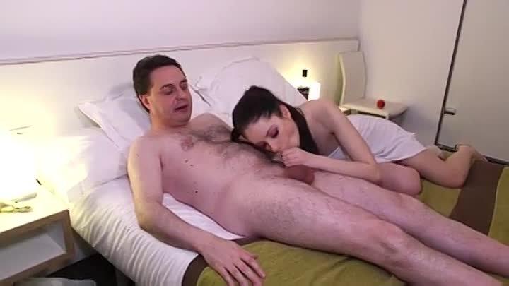 Si Masturba Guardando Porno