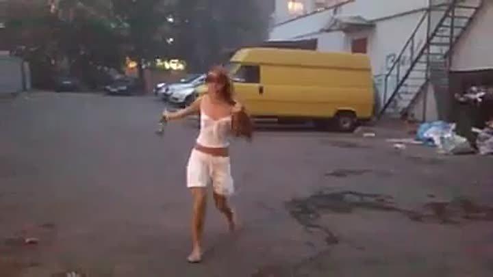 малолетка пьяная