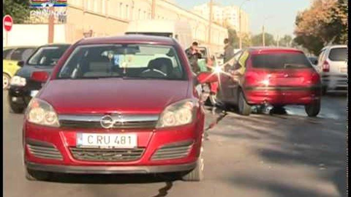 Trei masini s-au ciocnit in lant
