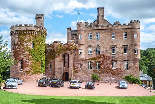 Замок Далхаузи, Шотландия