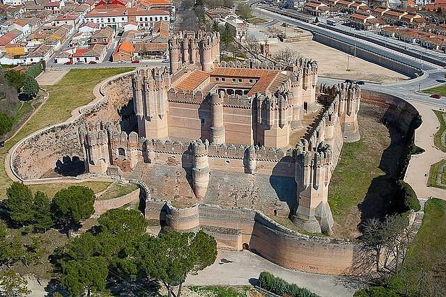 Замок Кока, Испания