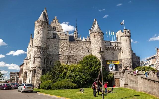Замок Стен, Бельгия