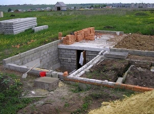 с чего начать строительство на участке