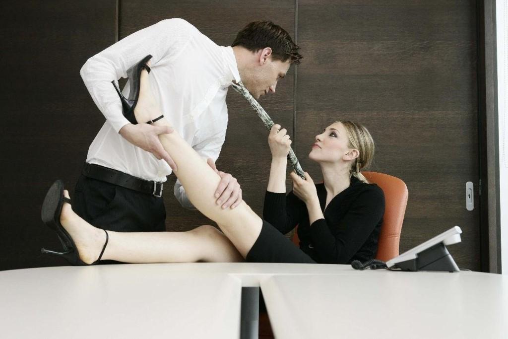 того, как жена изменила на работе него