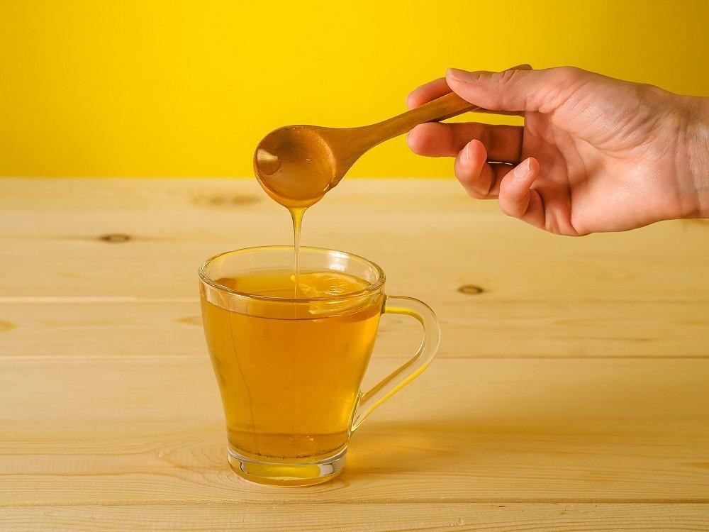 Теплая вода с медом для быстрого выздоровления от язвы желудка