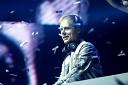 Armin van Buuren - now i see the sun