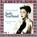 Judy Garland - Feel A Song Comin On