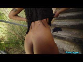 PublicAgent - Tina Fire,Huge Natural Ebony Boobs Swinging [Брюнетка,Latina,Big tits,Сzech,Секс за деньги,Порно,На камеру]