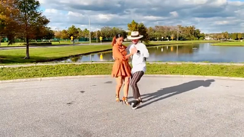 Танцуют Таня Алемана и Джордж Атака Ataca La Alemana Jorge Burgos и Tanja Ke 1