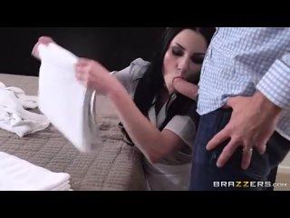 служанка должна отсосать когда хозяину захочеться изнасиловали сестра ебёт трахает сиськи девочка голая публично минет cfnm cmnf