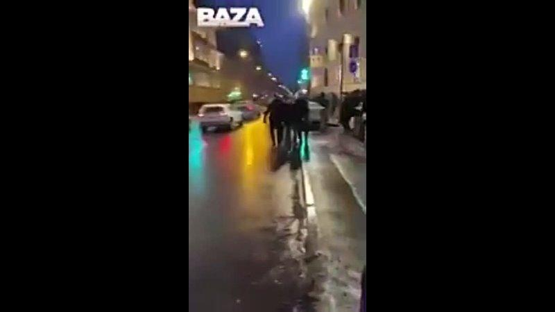 Инцидент с участием женщины и сотрудника правоохранительных органов на площади Восстания 23012021 240p