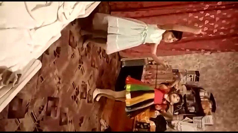 Танцуют все и даже Тимур зажигает