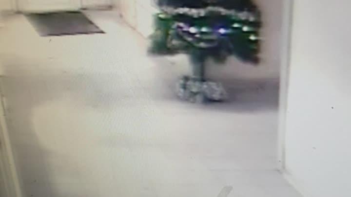 """Действие происходит на станций метро """"Автово"""". 14 января в 20.43 было совершенно преступление, а и..."""