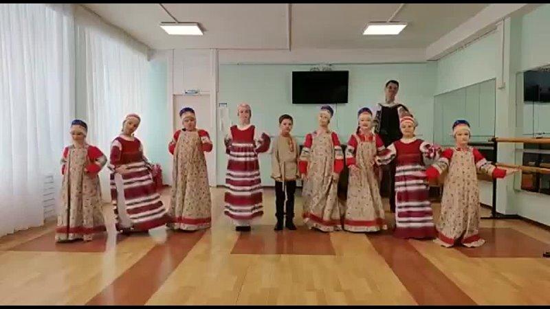 На зелёном на лугу Плясовая Новосибирской обл Исполняет ансамбль Потешки Рук Редкозуб О С