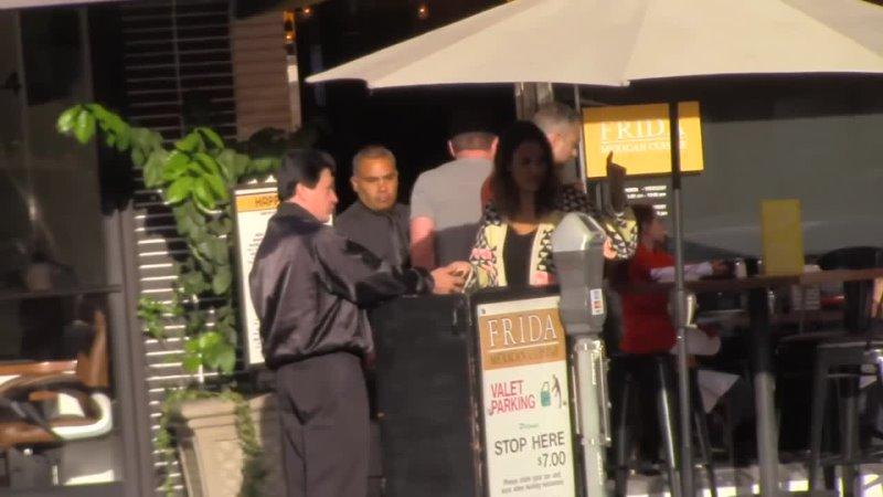 1 мая 2016 Джессика Альба прибывает в ресторан Frida Беверли Хиллз США