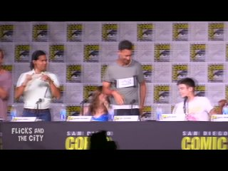 "Comic Con 2016. Смешной момент каста сериала Флэш. ""I Love You Grant"""