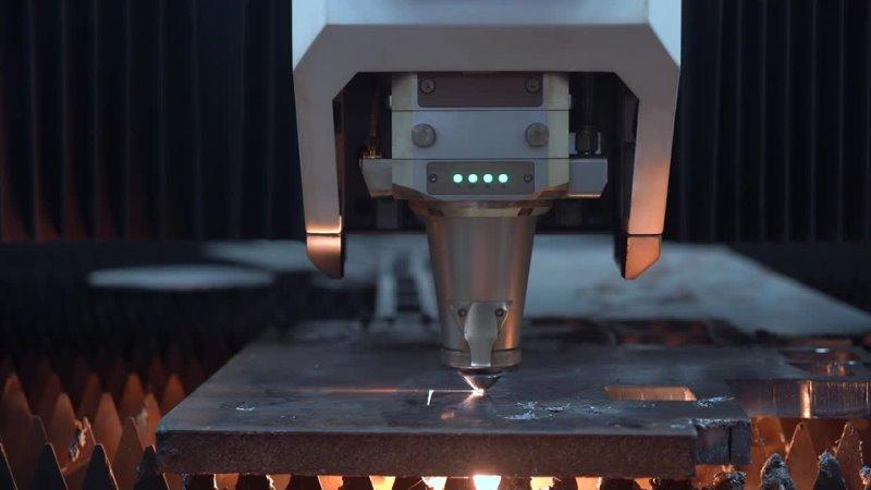 Станок для резки волоконным лазером OR-PA4020-6kw режет углеродистую сталь толщиной 25 мм с высокой скоростью резки.