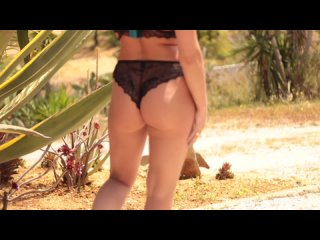 Stacey Poole - Turquoise Desert 3 ()