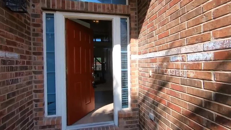 Foreclosed 5,095 SF Mini-Mansion, $490K, 6-Bed, 4-Bath, 3-Car For Sale in Frisco