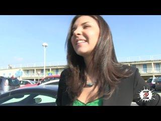 Парень встретил русскую сучку в аэропорту и трахнул телку в номере