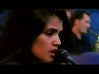 Tanita Tikaram -- Twist In My Sobriety [[ Official Live Video ]] HD