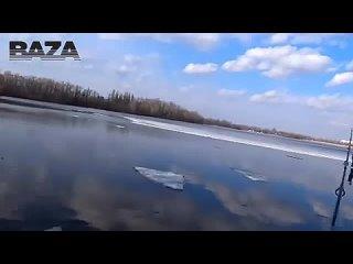 Спасение ребёнка на льдине.mp4