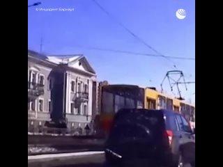 В Барнауле трамвай уехал без водителя