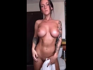 Lauren  nackt Kayla Kayla Lauren