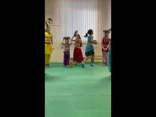 """Детские группы восточного танца в фитнес клубк """"Прана"""""""
