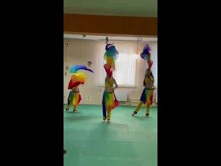 """танец с вейлами Детские группы восточного танца в фитнес клубк """"Прана"""""""