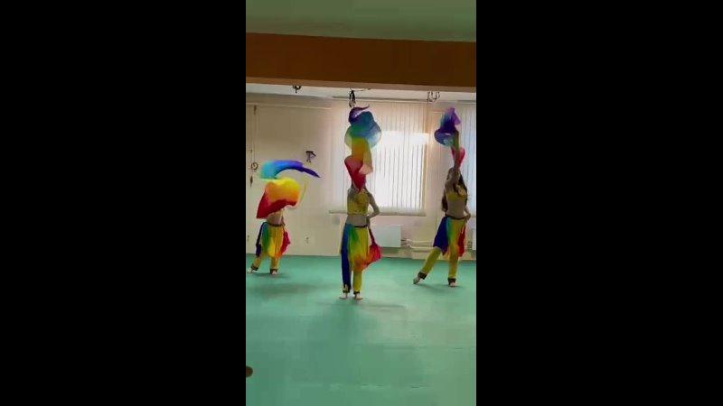 танец с вейлами Детские группы восточного танца в фитнес клубк Прана