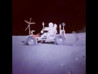 31 июля 1971 года астронавты Аполлона-15 впервые выехали на Луну.