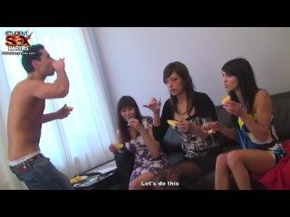 Русская пьяная групповая студенческая секс оргия №3