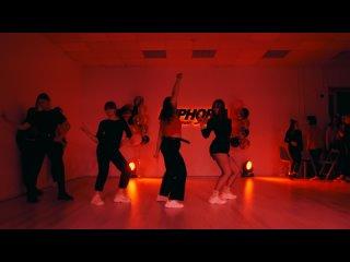 k-pop euphoria dance studio