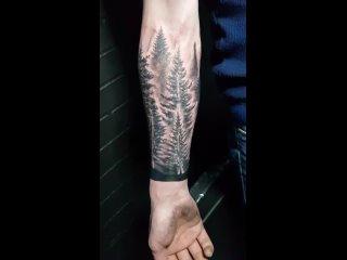 Татуировка лес. Тату-мастер Павел Вятчанинов