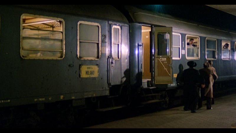 Лино Банфи в фильме Достопочтенный депутат с любовницей под кроватью Комедия Италия 1981