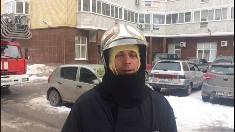 Очевидец спас женщину из горящей квартиры