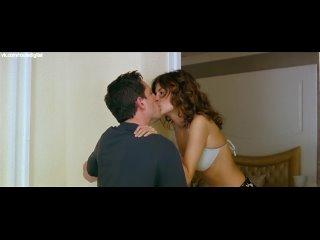 Audrey Tautou Nude (sideboob) - Priceless (FR-2006) 1080p BluRay Watch Online / Одри Тоту - Роковая красотка