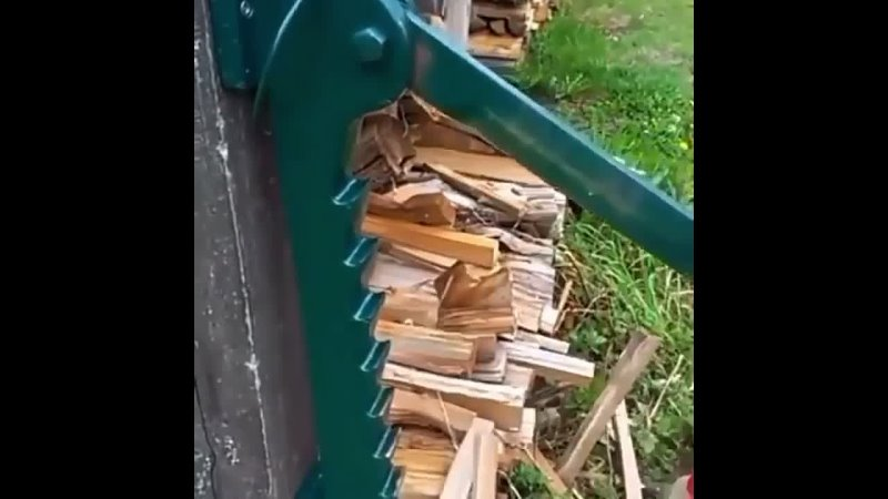 Самодельное устройство для колки дров. Идеально для дачи.