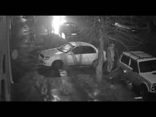 Дед сливает бензин на Варфоломеева  Нетипичный Ростов