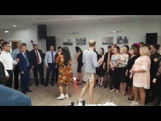 Танцевальный батл. Ведущие Боня и Кузьмич.