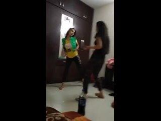 Home girls dancing hot sexy Arabic