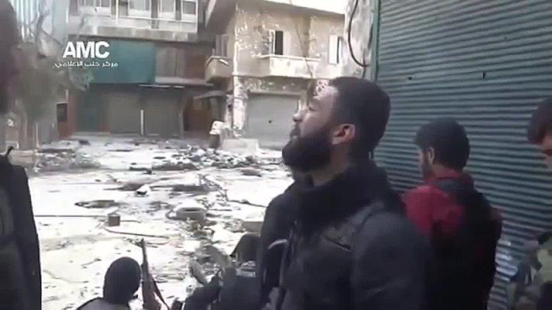 Красивый Азан во время стрельбы в сирии mp4