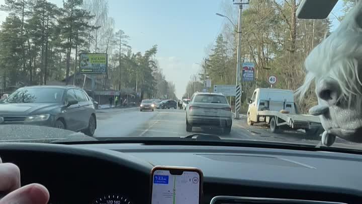 На Колтушском шоссе в сторону Всеволожска 3 машины не поделили дорогу