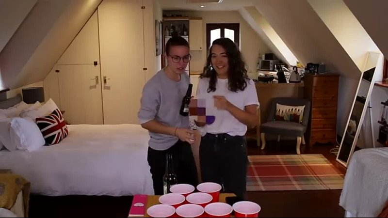 PLAYING FEAR PONG (with the ~tiktok lesbian~)