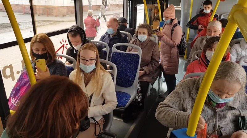 Работа контролеров в череповецких автобусах
