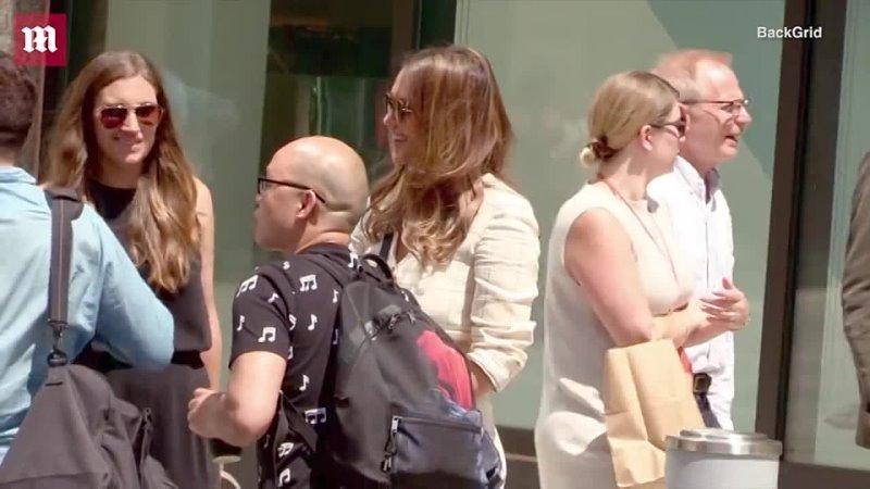 9 августа 2018 Джессика Альба покидает гостиницу | Нью-Йорк, США