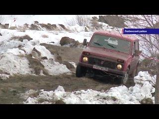 За золотом по грязи и сугробам: омские гонщики устроили мегазаезд на внедорожниках