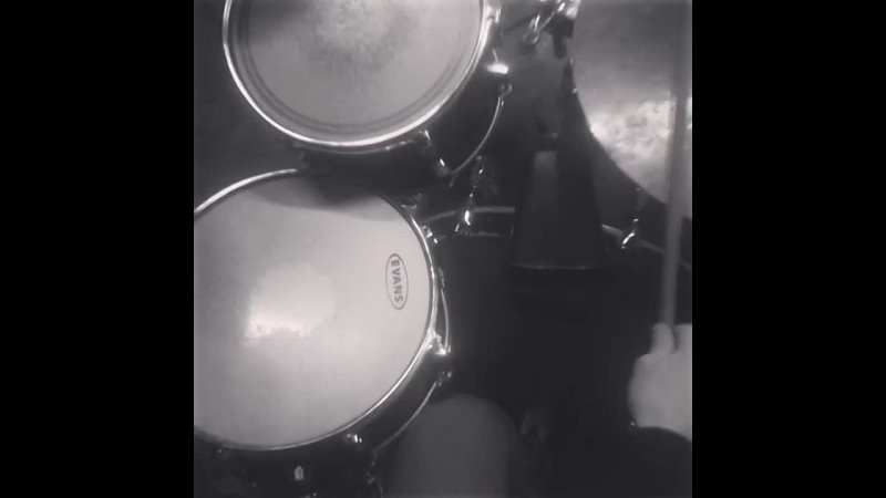 Упражнение1) KKS. 2) KsKKS. 3) KsKsKKS. (All kicks with ride cymbal)