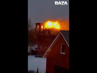 По дому отбивающегося от силовиков жителя Подмосковья выстрелили из гранатомёта [NR]